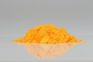 Yellow-orange Coenzyme Q10 crystals